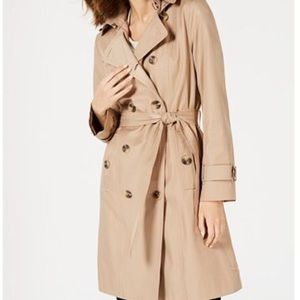 London Fog, Women double breasted trench size 4P